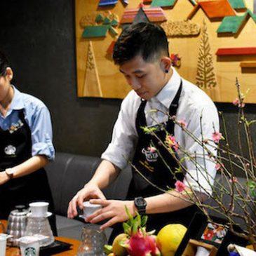 """Vì sao Starbucks phát triển """"khiêm tốn"""" tại Việt Nam?"""